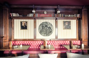 English Bar